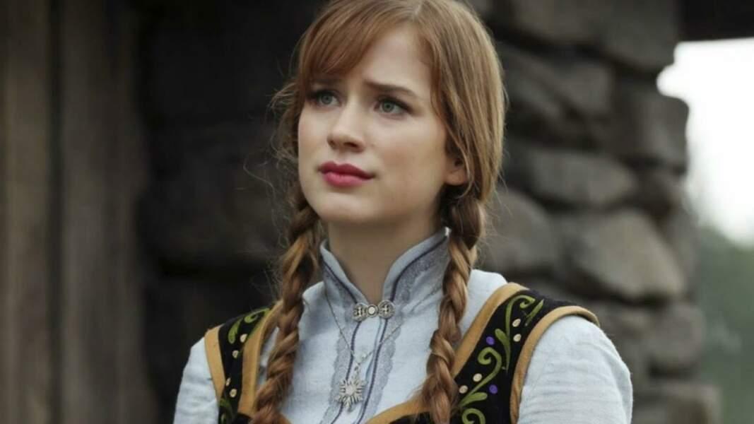 Anna a aussi fait son apparition ! C'est Elizabeth Lail qui lui a prêté ses traits et vous l'avez récemment vu dans la première saison de You...