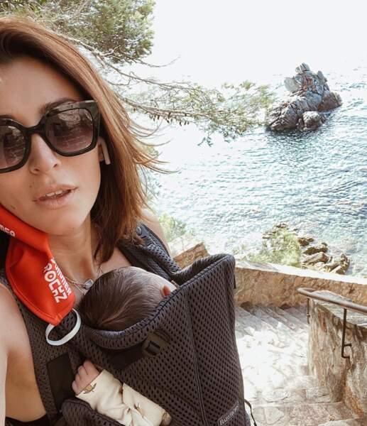 Rachel-Legrain Trapani qui a accouché début juillet, s'est accordée quelques jours de vacances avec son petit Andrea