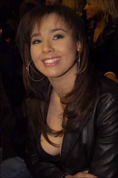 Aux Victoires de la Musique 2004, elle est nommée dans la catégorie Révélation francophone de l'année.