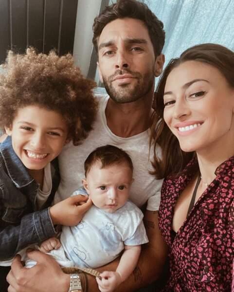 Photo de famille pour Rachel Legrain-Trapani, Valentin Léonard, Gianni et Andrea.