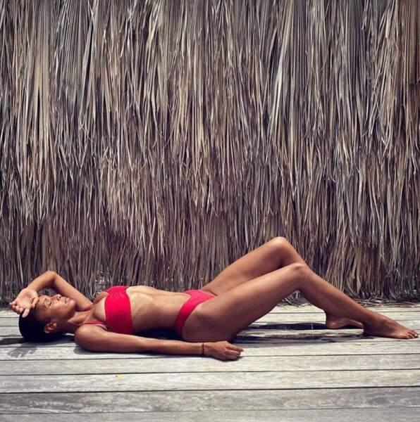 Et on l'avoue, on n'a qu'une envie : prolonger les vacances en bikini, à même le sol sans serviette.