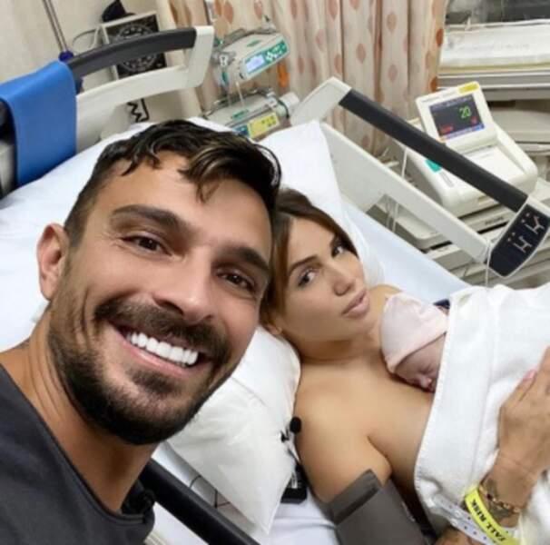 On commence avec beaucoup de bonheur : Julien et Manon Tanti sont parents d'une petite Angelina. Félicitations !