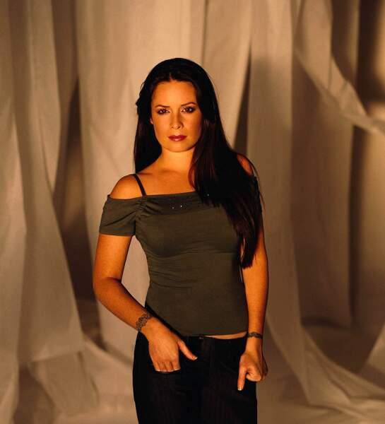 Piper (Holly Marie Combs) avait les pouvoirs d'arrêter le temps et d'exploser des objets ou des démons
