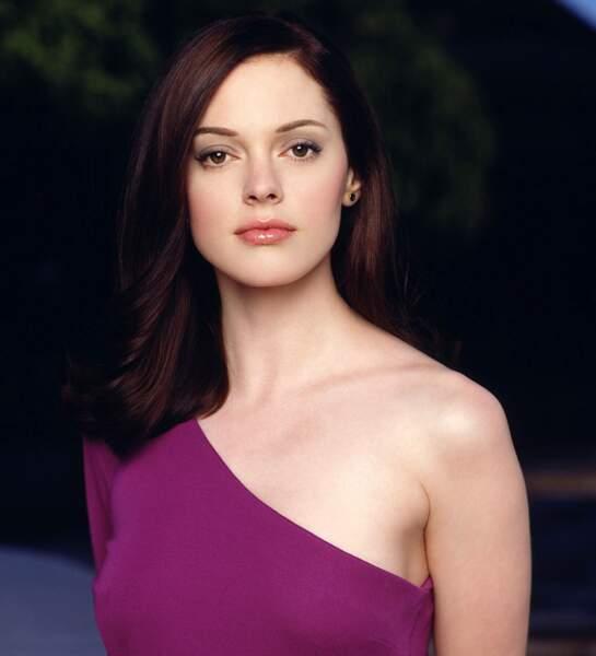 Paige (Rose McGowan) était à moitié être de lumière et sorcière. Elle est la demi-sœur de Piper, Prue et Phoebe et a appris la vérité sur leurs liens familiaux que très tard dans sa vie. Comme Macy finalement