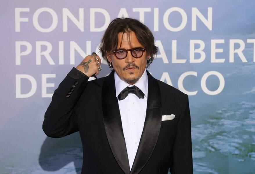 Johnny Depp laisse tomber le masque le temps d'une photo
