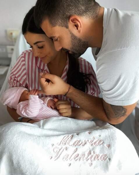 Et Rym et Vincent Queijo, jeunes parents, ont dévoilé le prénom de leur fille : Maria-Valentina.