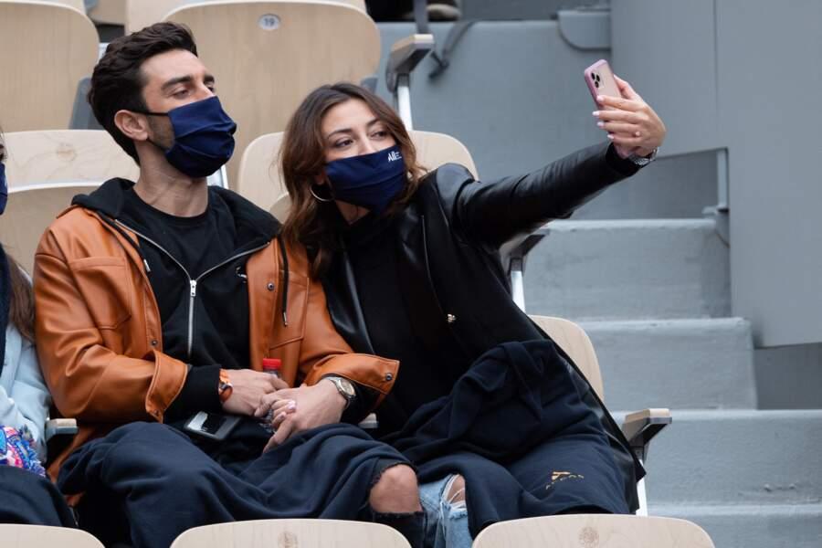 Un selfie pour Rachel Legrain-Trapani et son compagnon Valentin Leonard