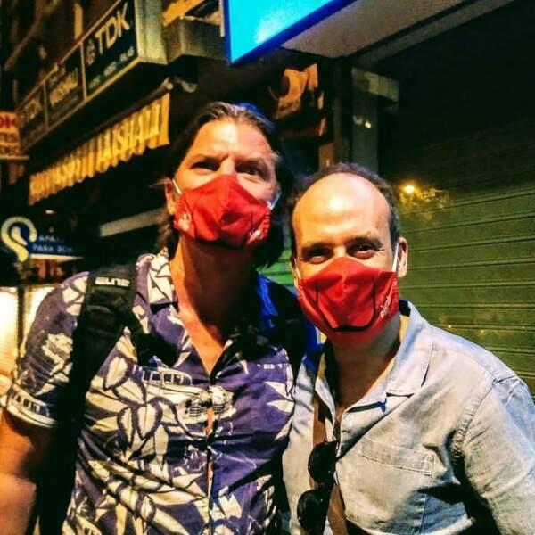 Hors du plateau, Luka Peros (Marseille) et Antonio Romero portent un masque rouge. Un clin d'œil à la série qui les a rendus célèbres ?