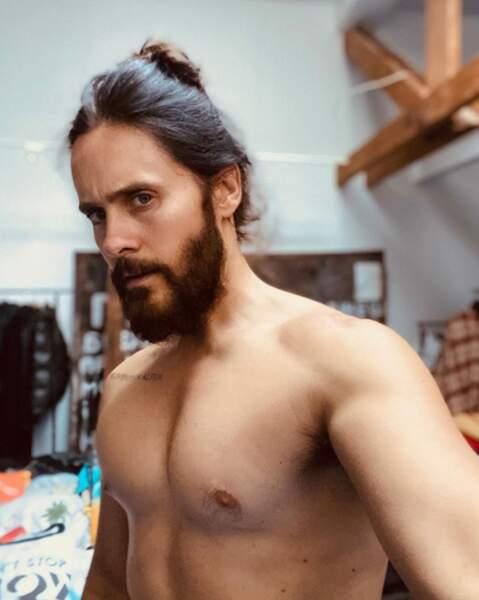 Et selfie torse nu pour Jared Leto.