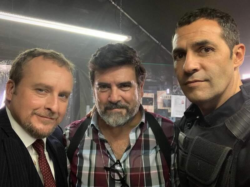 Et Fernando Cayo (Tamayo), Fernando Soto (Angel), Mario de la Rosa (Suarez) ont l'air décidé à stopper les braqueurs