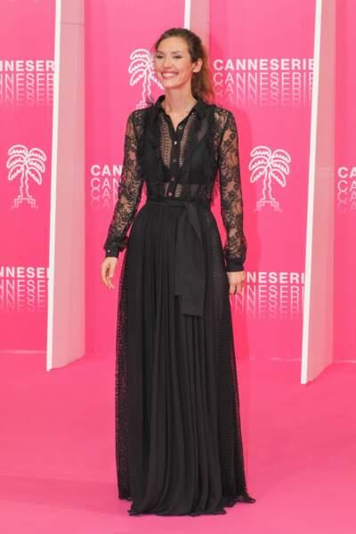 """Doria Tillier sur le """"Pink carpet"""""""