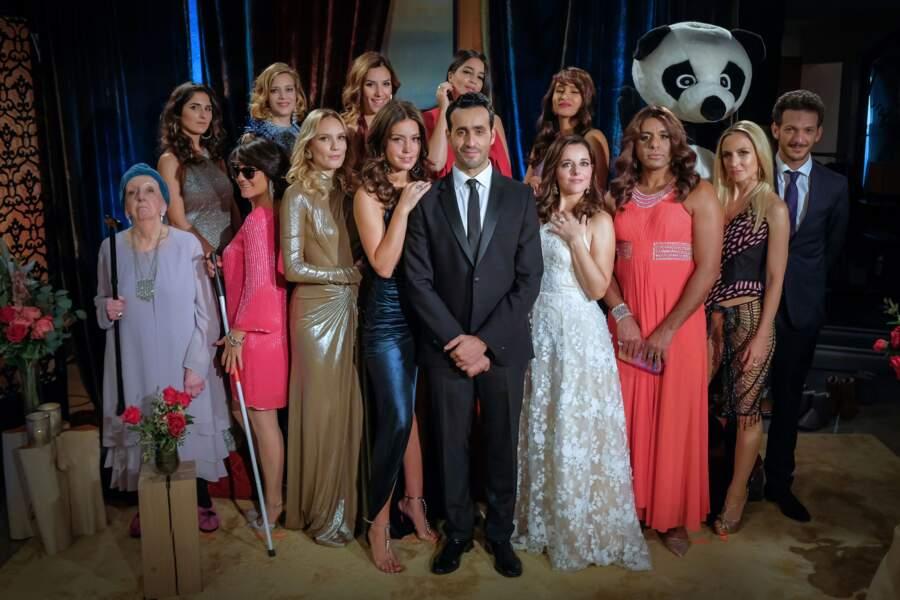 La Flamme, la série de Canal+ parodiant l'émission Bachelor, le gentleman célibataire, est en réalité une adaptation de la fiction américaine Burning Love (2012)