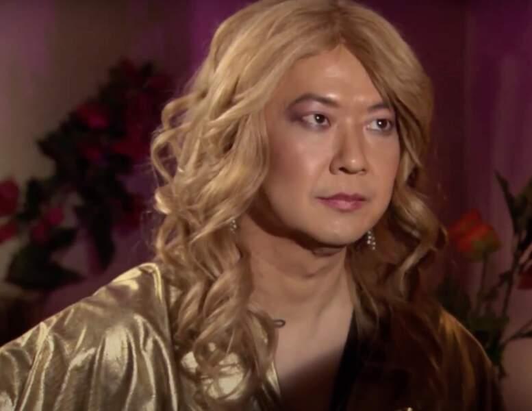 """Ken Jeong dans le rôle de Ballerina, la prétendante """"exotique"""" dans Burning Love"""