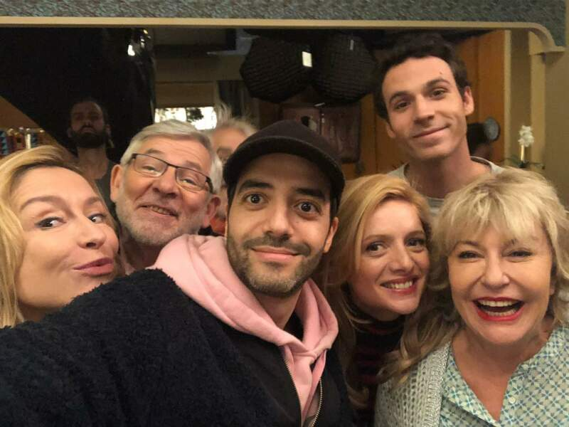 Petite visite surprise sur le tournage de la mini série En Famille pour voir ses copains