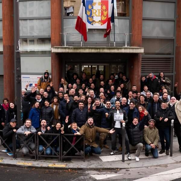 Toute l'équipe du film pose pour la fin du tournage (décembre 2019)