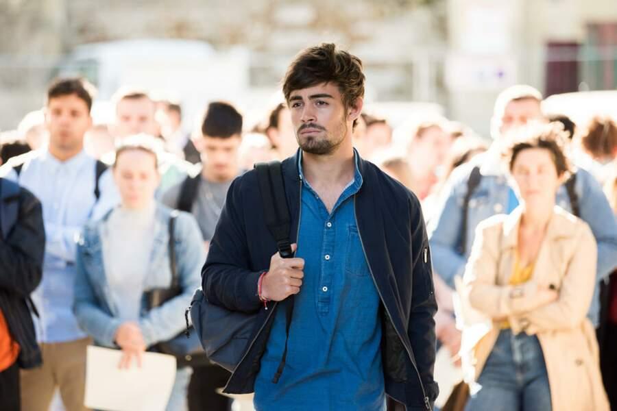 Maxime Delcourt (le personnage joué par Clément Rémiens dans Demain nous appartient) a quitté Sète pour tenter le concours ultra-sélectif de l'Institut Auguste Armand