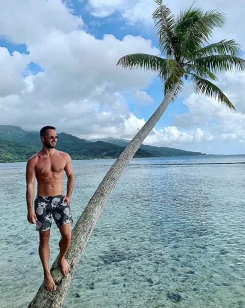 Christian Millette a même pu tomber la chemise. Bon, en même temps, c'était à Tahiti.