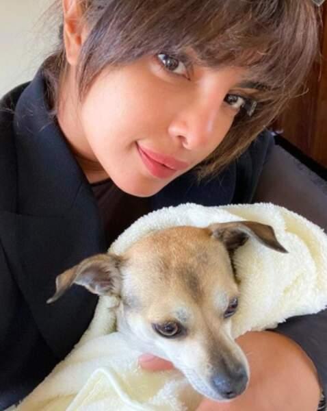 Pas trop froid ? Chez Priyanka Chopra, Diana a enfilé une petite laine.