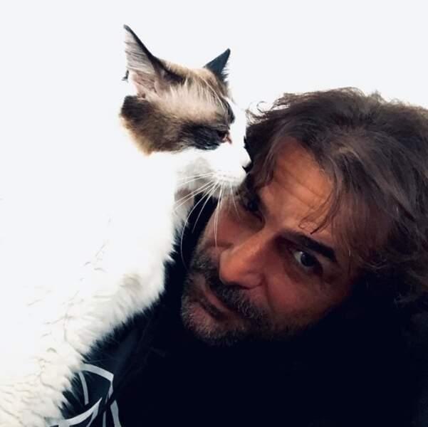 Et Grégory Fitoussi a fait un selfie avec son chat.
