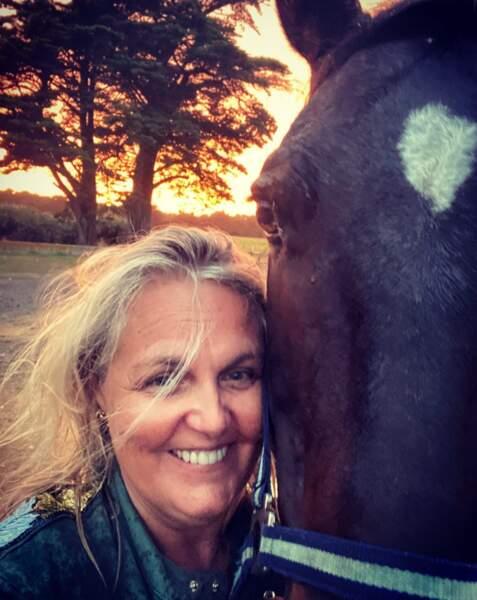 Le saviez-vous ? Valérie Damidot est fan d'équitation.
