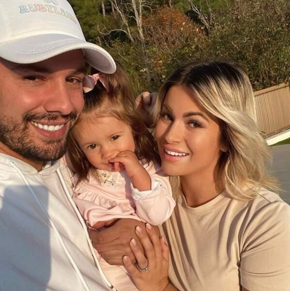 Selfie de famille pour Ruby et ses parents Kevin Guedj et Carla Moreau.