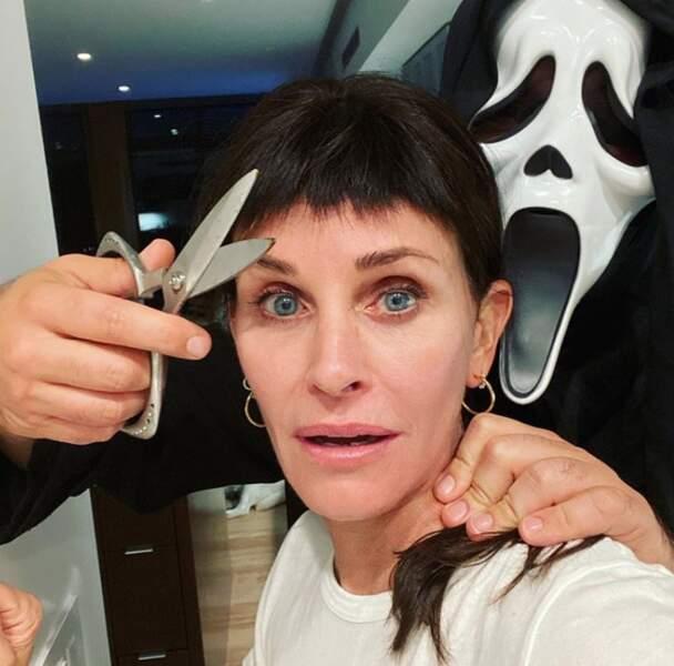 Et frange pour Courtney Cox sur le tournage de Scream 5 !