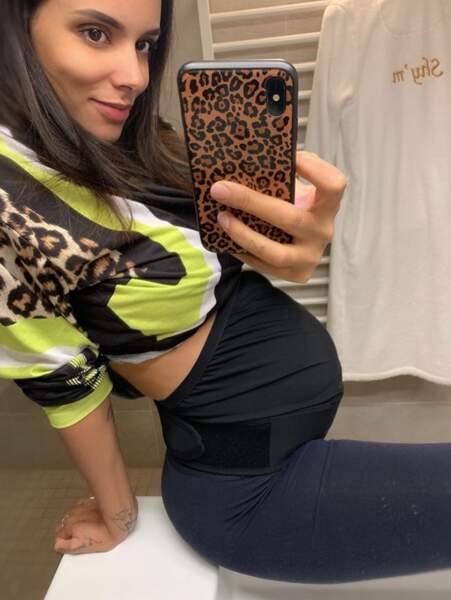 Ça pousse toujours du côté de Shy'm, enceinte d'un petit garçon.