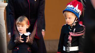 Sérieux, disciplinés et concentrés, l'étonnante attitude sage de Jacques et Gabriella de Monaco pendant la fête monégasque ! (PHOTOS)