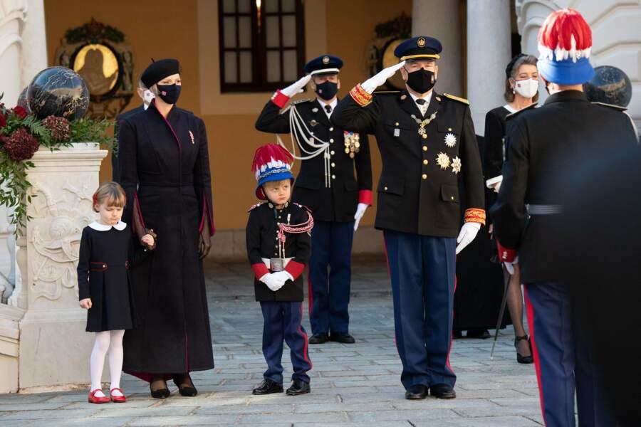 Les Grimaldi participent à la revue des troupes