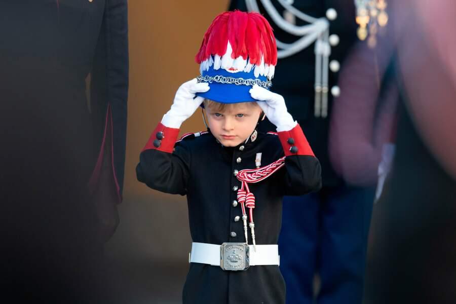 Pour le prince Jacques, c'est l'occasion de revêtir son joli costume de carabinier