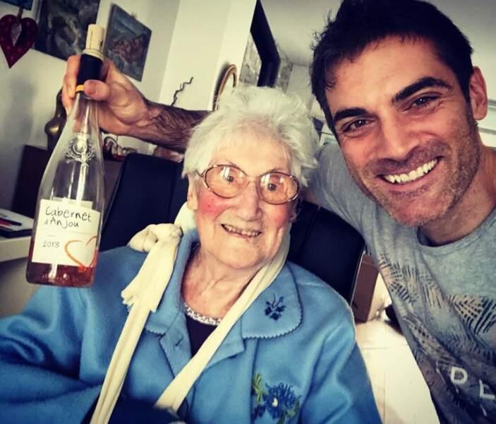 Selfie de famille pour Gil Alma et sa grand-mère Micheline qui fêtait ses 95 ans.
