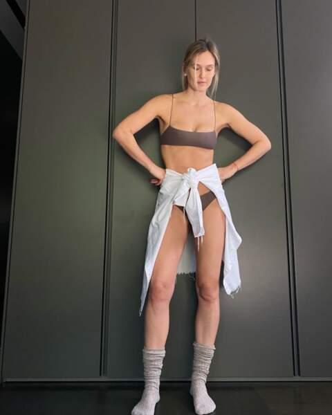 Bar Refaeli en lingerie.