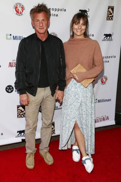 Sean Penn et sa compagne Leila George (qui n'est autre que la fille l'acteur Vincent D'Onofrio) s'unissent fin juillet