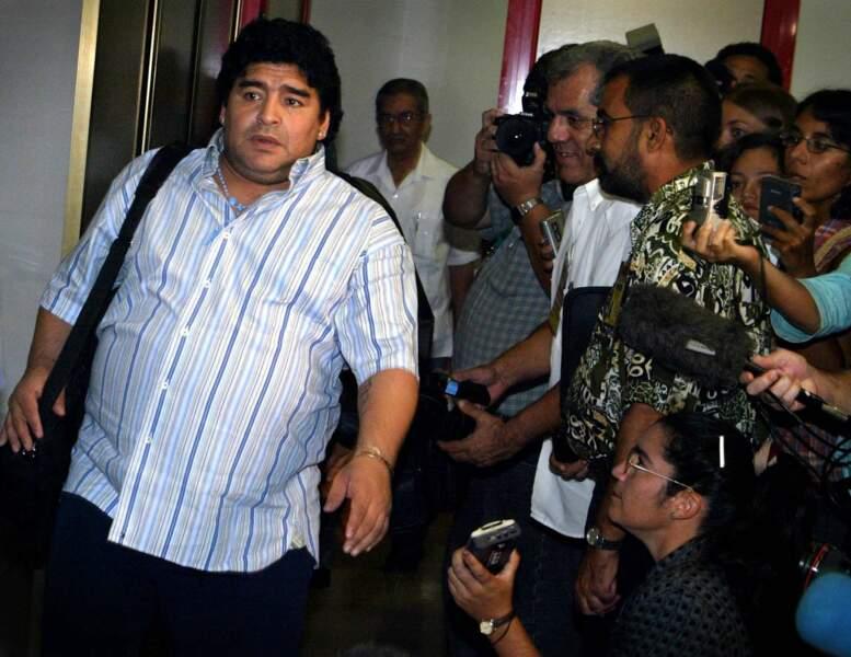Diego Maradona a suivit un traitement contre son addiction à la drogue dans un centre de désintoxication (2004).