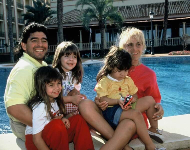 Diego Maradona en famille à Séville (1992)