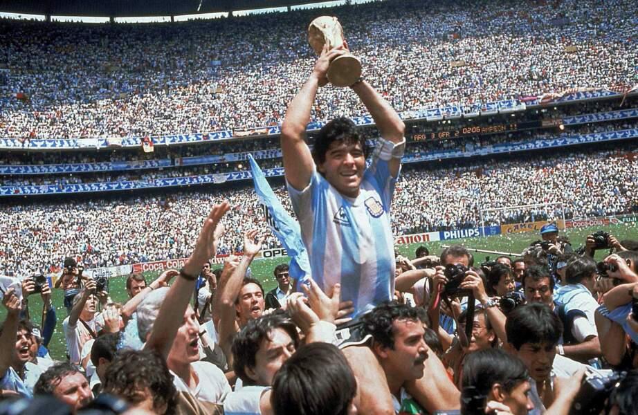 Diego Maradona amène l'Argentine sur le toit du monde en 1986. Finale de la Coupe du monde gagnée par l'Argentine contre l'Allemagne.