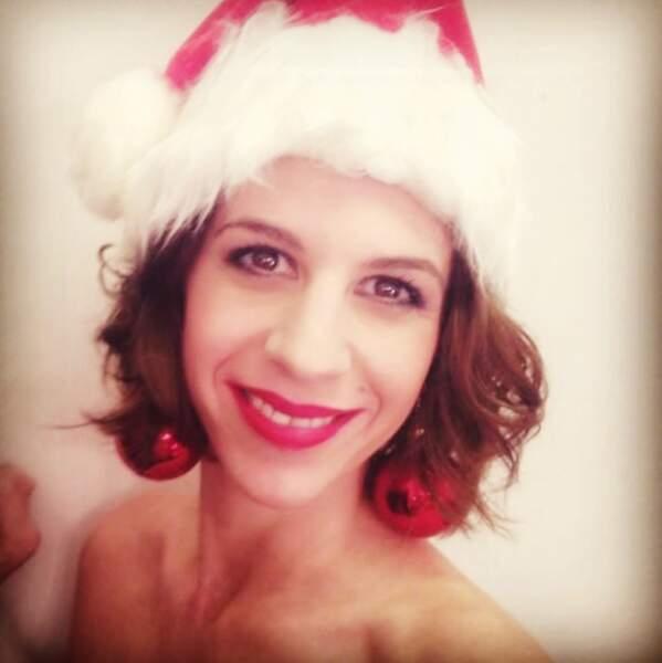 Elle n'oublie pas de souhaiter un Joyeux Noël à sa communauté