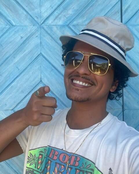 On espère que vous avez le smile comme Bruno Mars.