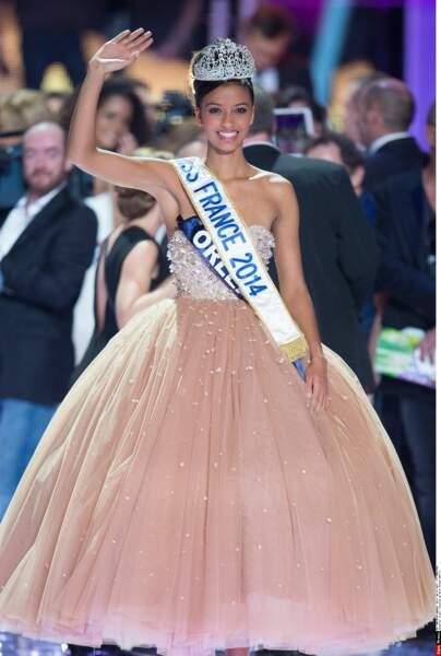Miss France 2014, Flora Coquerel