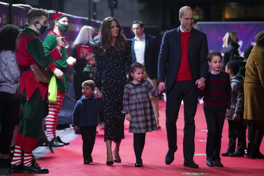 Kate Middleton et le prince William ont fait sensation avec leurs trois enfants sur le tapis rouge ce 11 décembre 2020