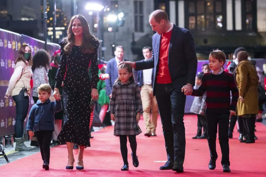 C'était la première fois que le duc et la duchesse de Cambridge faisaient une telle apparition avec leur progéniture au complet