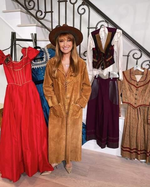 Collector : Jane Seymour a ressorti ses tenues de tournage de la série Docteur Quinn, femme médecin.