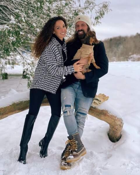 Et balade dans la neige pour Emmanuelle Rivassoux, son mari Gilles Luka et leur chien Bonny.