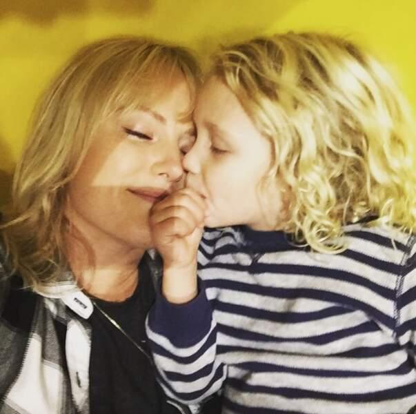 La blondeur est de mise chez l'actrice Malin Akerman et son adorable Sebastian.