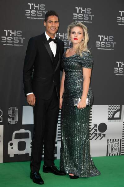 Le footballer Raphaël Varane et sa femme Camille Tytgat ont agrandi la famille !