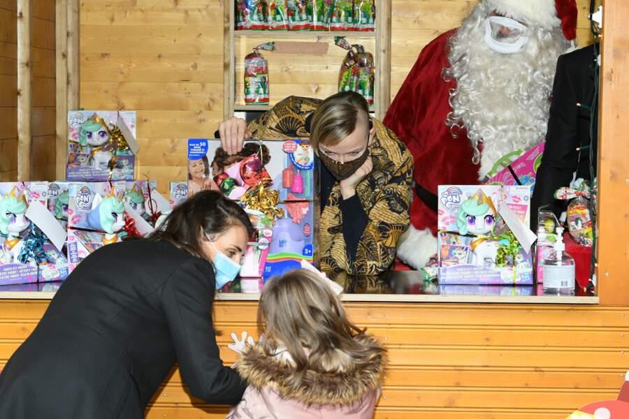Et les enfants aussi, pressés de récupérer leurs présents