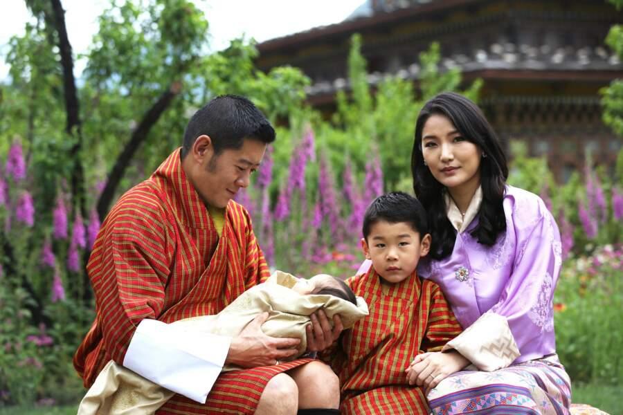 Un 2eme bébé Royal pour la Reine et le Roi du Bhoutan, un garçon né le 19 mars