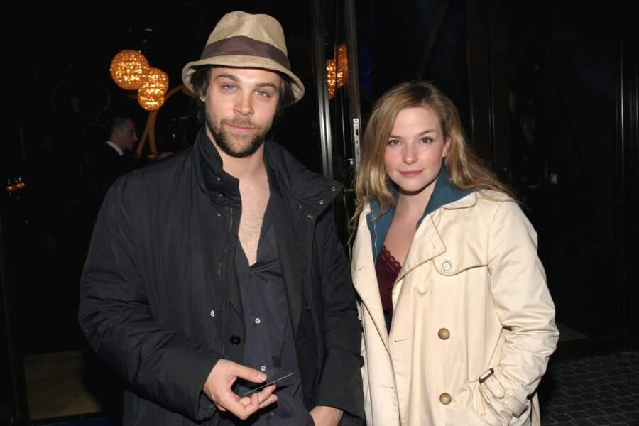 """Cecilia Carat & Arthur Jugnot Après une très belle histoire d'amour, l'héroïne de """"Roméo et Juliette"""" s'est séparée d'Arthur ."""