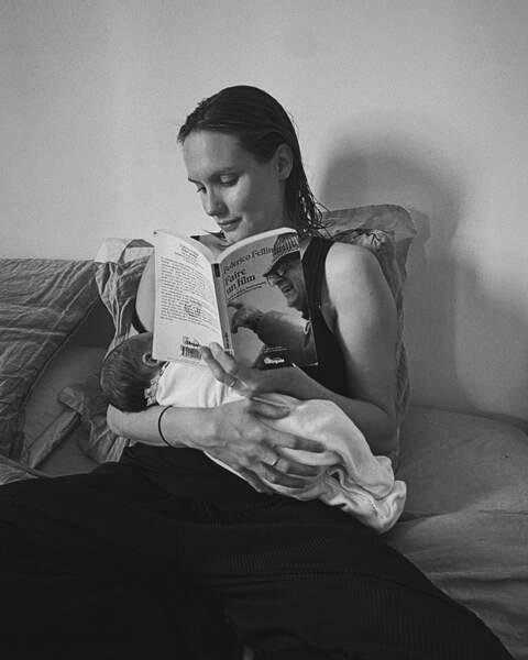 """""""10 Jours sur cette planète terre, Bienvenue Jazz mon petit homme""""; c'est par ces mots que Ana Girardot a annoncé la naissance de son premier enfant né le 4 décembre"""