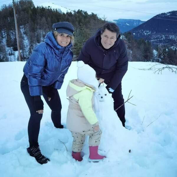 Laura Tenoudji, son mari Christian Estrosi et leur fille Bianca ont fait un tour à la montagne.